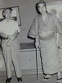 昭和29年8月 左から、杉本健吉、會津八一