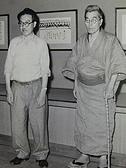 昭和29年8月 左より、吉野秀雄、會津八一