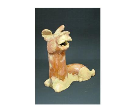 高島コレクション 中国明器《褐釉犬俑》(漢時代・当記念館蔵)